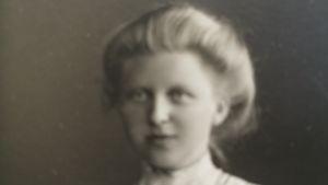 Hilma Granqvist , en ungdomsbild på Finlands första kvinnliga doktor i sociologi och Palestinaexpert.