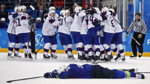 Norge knockade Slovenien i ishockey.