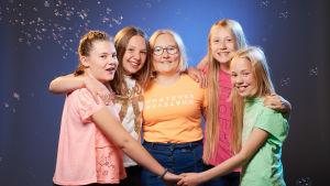 The Freez består av Sofie Rosström, Josefina Saarinen, Ebba Lundström, Alexandra Lundin och Ellinor Kevin. De är finalister i MGP 2017