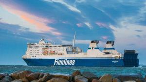 MS Nordlink heter efter renoveringen MS Finnswan.
