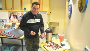 Pär-Erik Sjöström firar Yle Östnyland 50 år.
