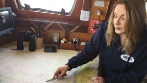 Regina Catrambone från organisationen MOAS som räddar flyktingar ur Medelhavet