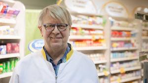 Bengt Mattila är apotekare vid apoteket Carelia vid Tölö torg i Helsingfors.
