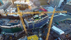 Byggnadsarbetsplats på Busholmen i Helsingfors i december 2016.
