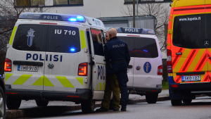 Polisen står och förhör efter olyckan