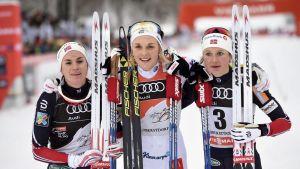 Heidi Weng och Ingvild Flugstad Östberg fick se sig besegrade av Stina Nilsson i jaktstarten i Oberstdorf.