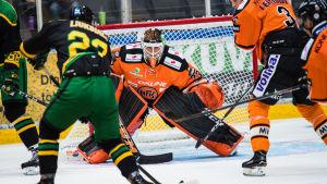 HPK mot Ilves på isen.