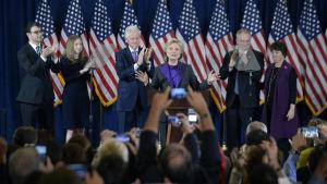 Hillary Clinton medger valförlusten inför anhängare i New York