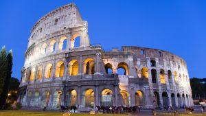 Colosseum i Rom om kvällen