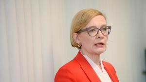 Inrikesminister Paula Risikko (Saml)