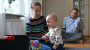 Sandra och Niklas med sonen Oliver Holmgård.