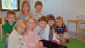 Nelly Ståhlberg, Minnéa Holm, Lina Nykvist, Mirella Nyman, Victor Suni, Ville Andersson, Olivia Lönnqvist och Vincent Stolpe