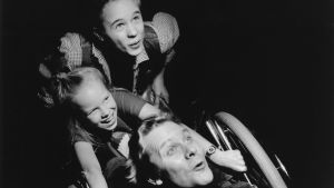 Sampo Sarkola, Alma Pöysti och Peppe Forsblom i radioteatern Superemma, 1992