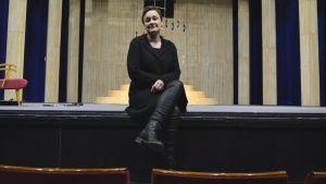 Maria Udd på Wasa Teaters scen.