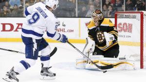 Boston Bruins vann med Tuukka Rask i målet.