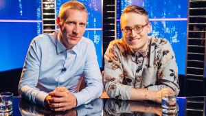 Pekka Strang och Axel Åhman som deltar i Yle Teema & Fems frågesport