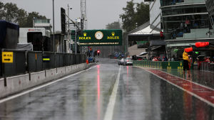 Regn och tom bana i Monza