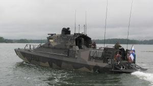Marinens JEHU-stridsbåt vid Sandhamn, Helsingfors, maj 2017.