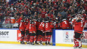 Kanadas JVM-lag under matchen mot Finland.