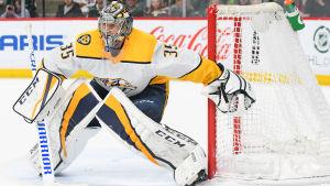 Pekka Rinne vaktar målet i NHL.