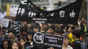 Demonstration för pressfrihet.