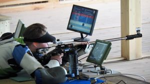 Cristian Friman skjuter.