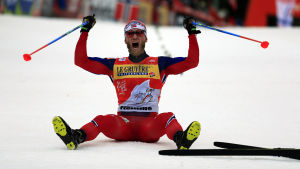 Att vinna Tour de Ski var ett av Martin Johnsrud Sundbys mål under säsongen. Det grejade han med rekordstor segermarginal.