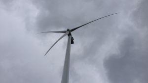 Vindmölla i Torkkola vindkraftpark i Lillkyro.