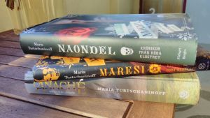 Böckerna Naondel, Maresi och Anaché.