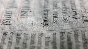 Närbild på dagstidning