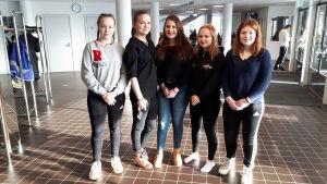 Matilda Enlund, Rebecka Enlund, Nelly Huima, Greta Rahikka och Ronja Kauko: