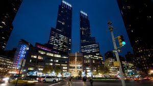 AT & T köper mediejätten Time Warner