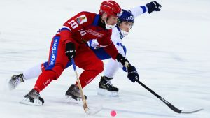 Finland och Ryssland drabbade samman i gruppspelet.