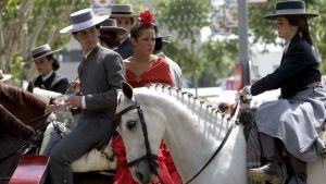 Ferioilla hevosten selässä, Espanja