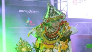 Indonesialaista perinteistä tanssia IeSF:ssä