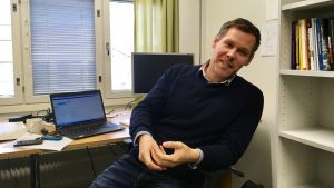 Lauri Rapeli är docent i statskunskap.