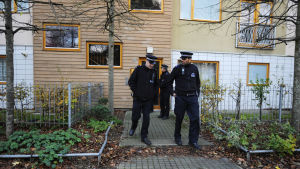 Brittisk polis avslöjade år 2013 ett uppmärksammat fall av modernt slaveri i Brixton i London. Två personer hade hållit tre kvinnor som slavar i trettio år i sitt radhushem