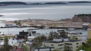 Drottningberg och Östra hamnen i Hangö.