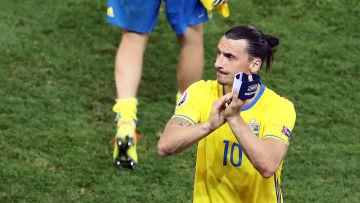 Zlatan Ibrahimovic får en staty utanför i nationalarenan i Solna – och nu  säger han öppet att det kan bli en flytt till USA snart. 050ecd7228d9e