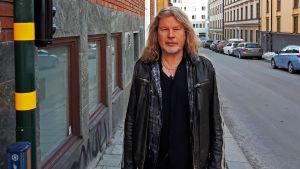 Staffan Hellstrand i hemkvarteren på Söder i Stockholm