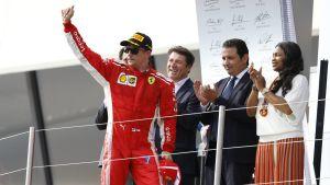 Kimi Räikkönen firar.