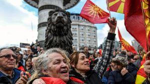 Demonstrationer i Skopje mot namnkompromiss med Grekland.