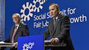 Europeiska kommissionens ordförande Jean-Claude Juncker (t.v.) och Sveriges statsminister Stefan Löfven på toppmötet i Göteborg den 17 november 2017.