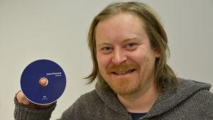 Daniel Österlund med nya skivan Flok Pnuk.