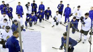 Finland inleder OS-turneringen mot Tyskland.