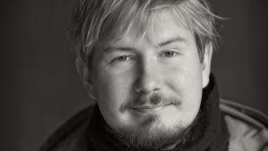 Runoilija Eino Santanen