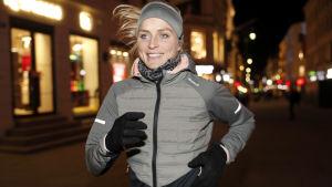 Therese Johaug på löprunda i Oslo.
