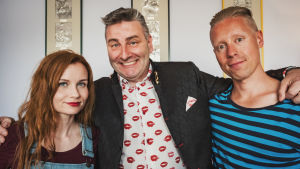 Ted Wallin tillsammans med Egenland programledare Hannamari Hoikkala och Nicke Aldén.