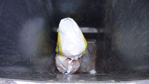 Avfall i soptunna