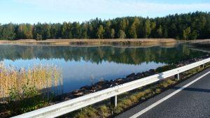 Vy längs Skärgårdens ringsväg en tidig höstmorgon